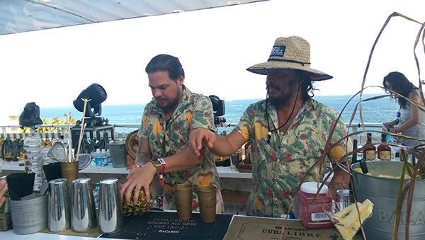 bacardi-bartenders